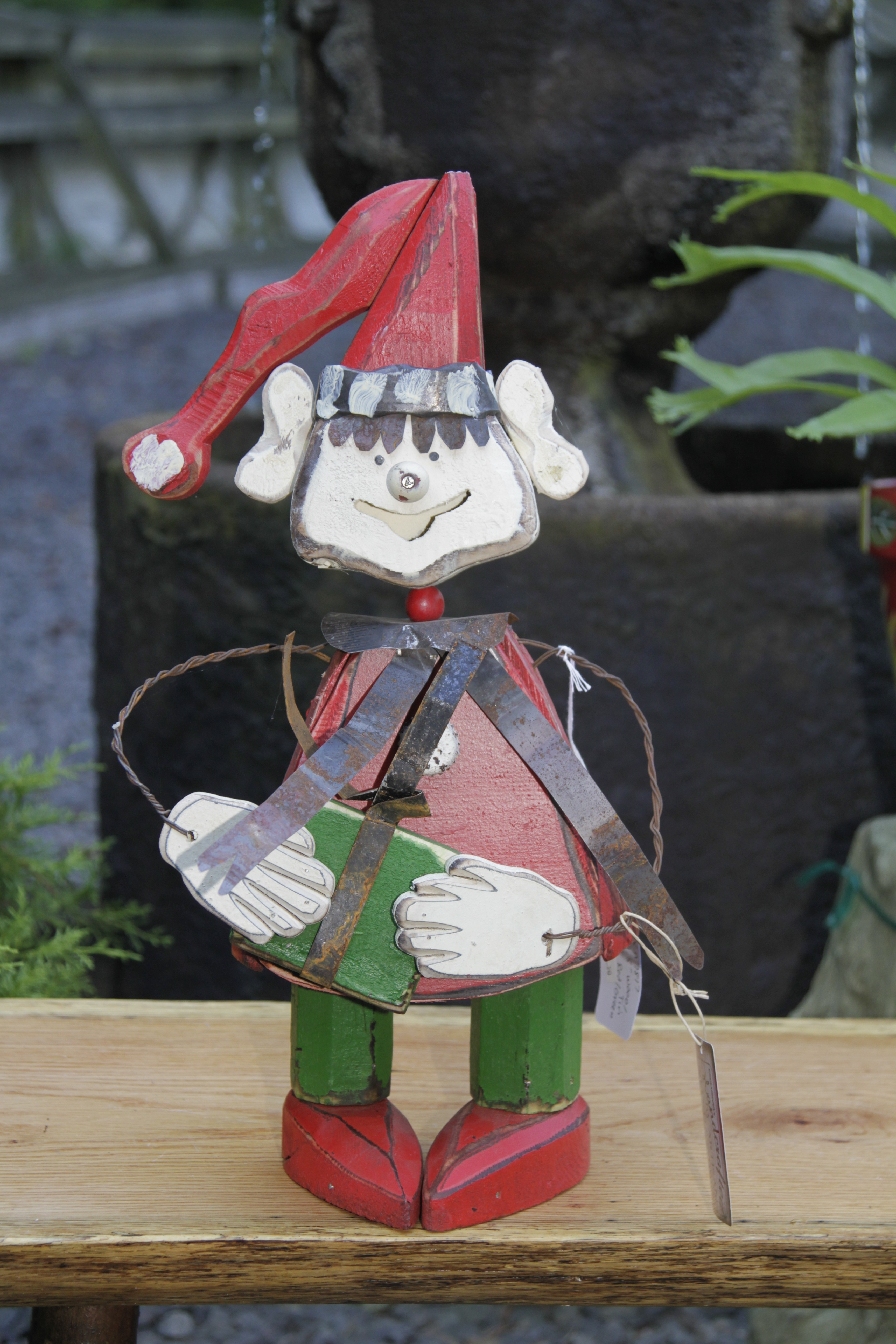 "TP 7817 Wood & tin 19.5"" Elf with present"